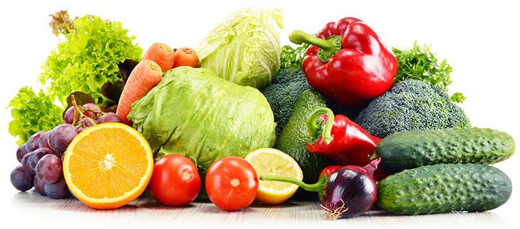 Употребление большого количества овощей и фруктов