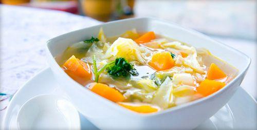 Листочки мелиссы кладут в супы