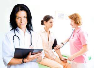 К какому врачу идти, если часто повышается давление